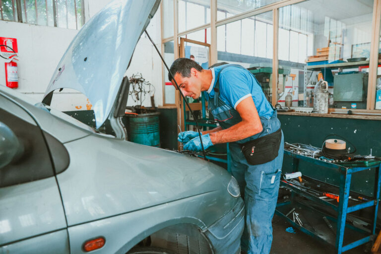 meccanico ripara motore officina rongri